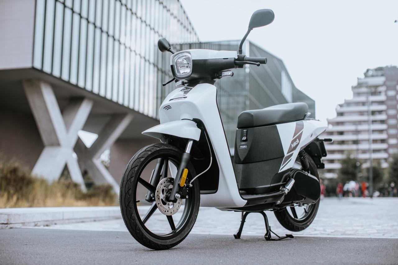 Do sprzedaży wchodzi nowy skuter elektryczny z Włoch: Askoll NGS.